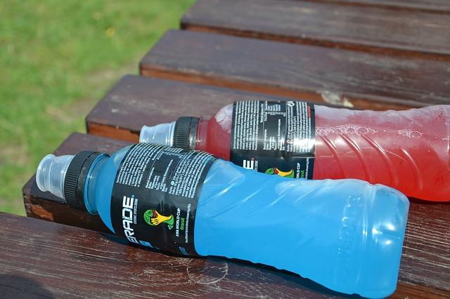Napoje izotoniczne vs napoje energetyczne