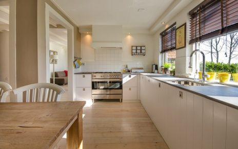 Jakie firany najlepiej sprawdzą się w kuchni? Poradnik dekoratora