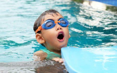 Nauka pływania dla dzieci - ćwiczenia na sucho