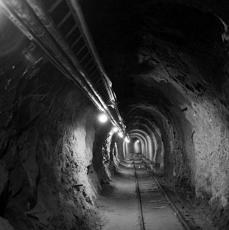 Bezpieczeństwo pracy w kopalniach