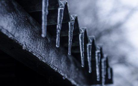 Jak zadbać o dach przed zimą?