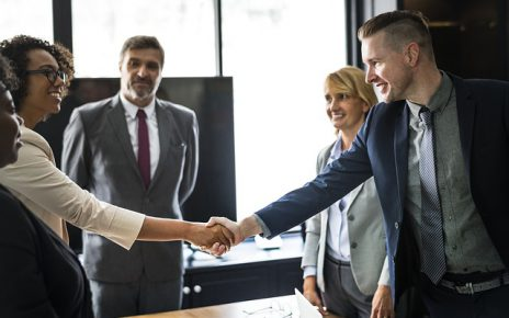 Jak się przygotować do ciężkich negocjacji? Poradnik negocjatora