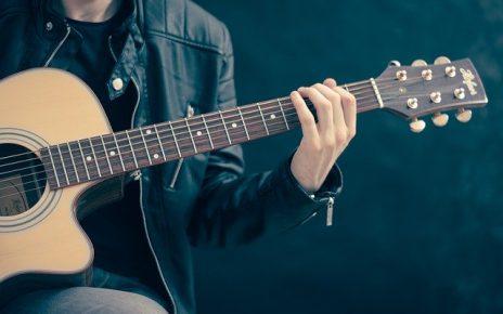 Nauka gry na gitarze w Bielsku – poziom średniozaawansowany