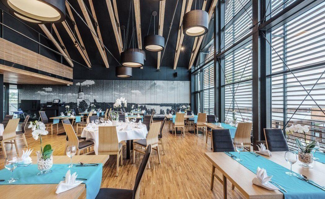 Recenzja restauracji z niebanalną architekturą w Poznaniu