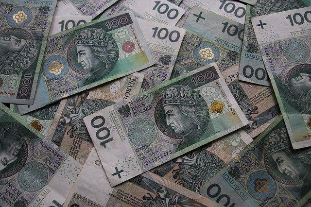 Podatki gastronomii. Jak rozliczać VAT i podatek dochodowy?