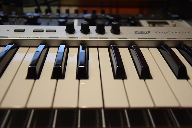 Jak szybko i efektywnie nauczyć się grać na keyboardzie?